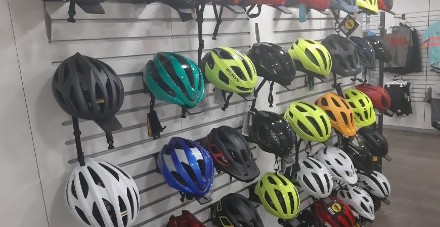 ¿Cuándo debo cambiar el casco de la bici?